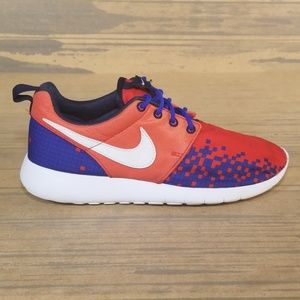 Nike Roshe One Print White, Red, Blue Sneakers